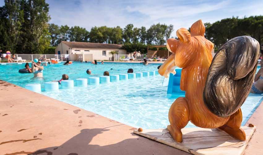 homair visiter provence camping les rives du luberon piscine