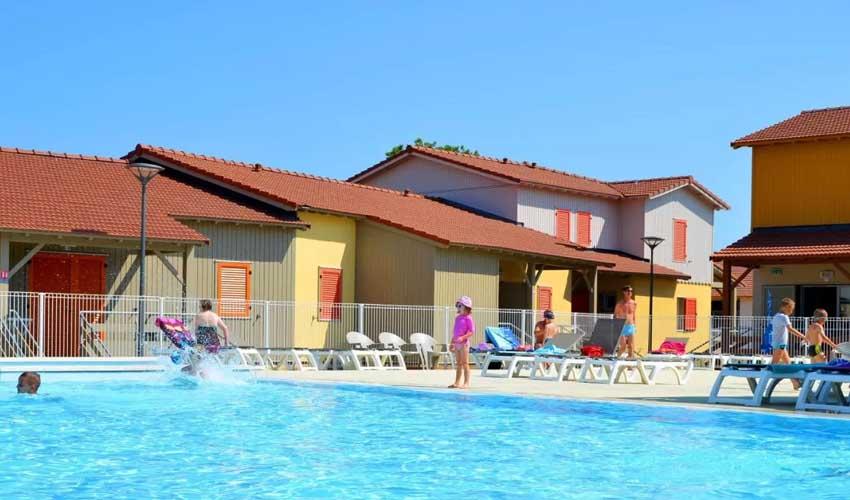 vacances lagrange residences bord de mer la grenadine piscine