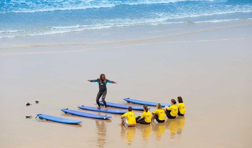 vacances lagrange residences bord de mer biarritz cours de surf les patios d'eugenie
