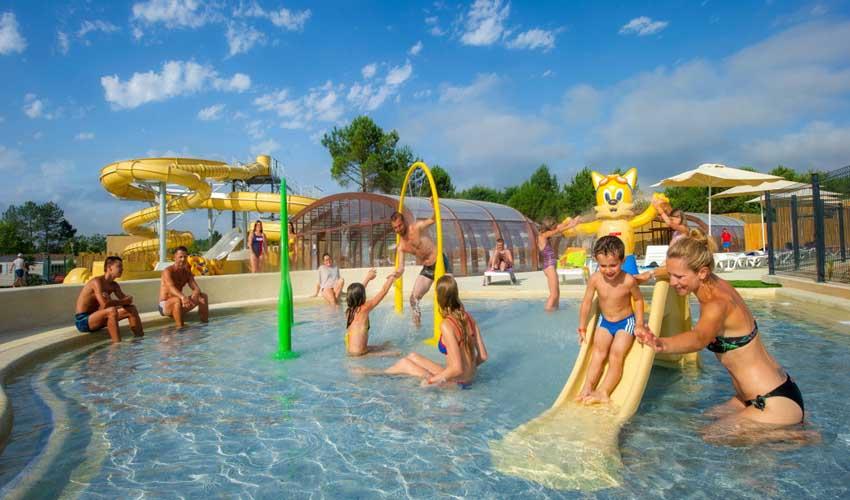 campings parc aquatique tohapi les vignes piscines enfants toboggans
