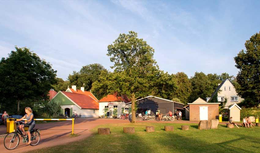 campings pays bas huttopia de roos accueil velo pieton