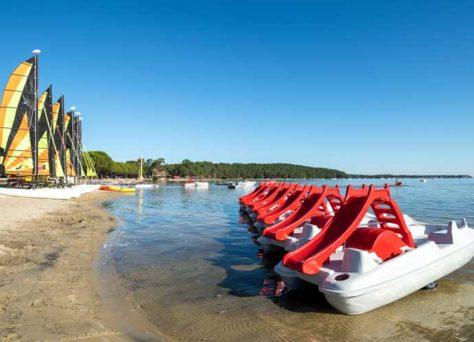 3 Campings et villages en France proches d'un lac avec Huttopia