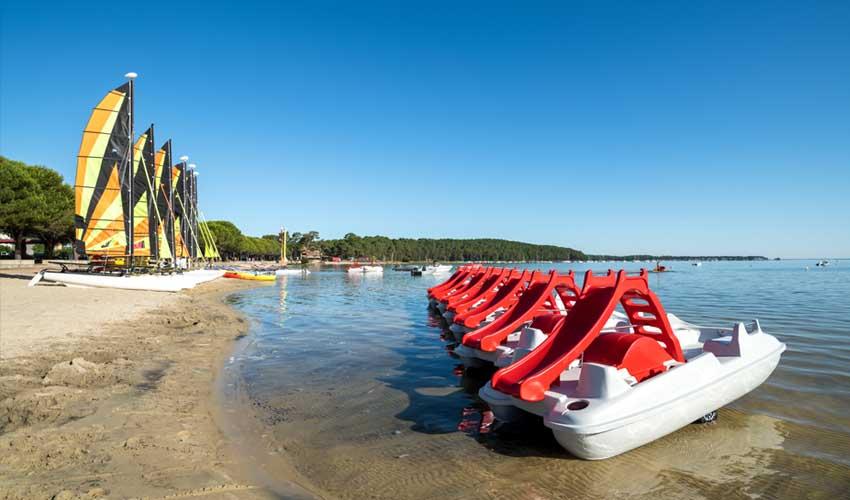 huttopia campings villages et lacs le lac de carcans activites nautiques