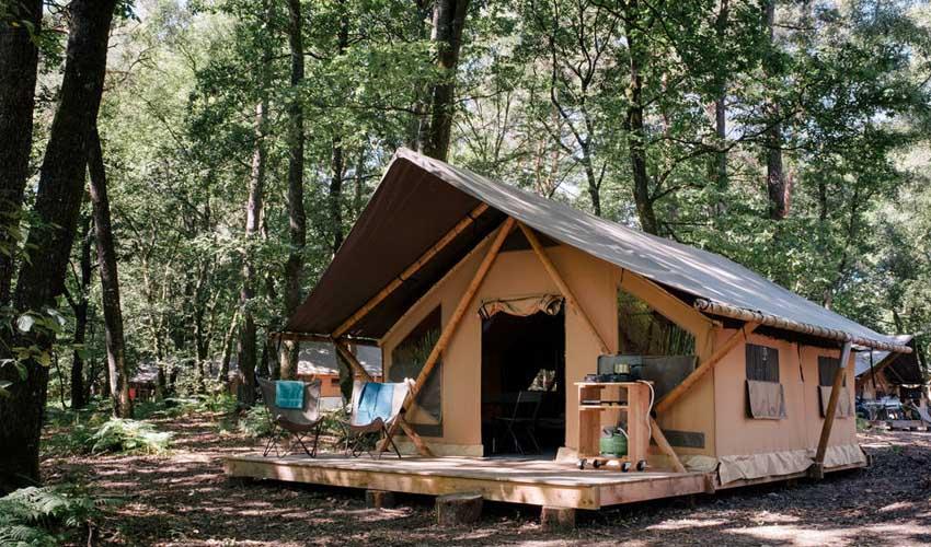 huttopia campings villages et lacs camping lac de sillé tente trappeur