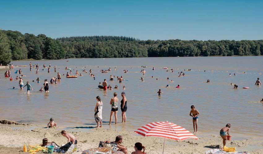 huttopia campings villages et lacs camping lac de sillé plage