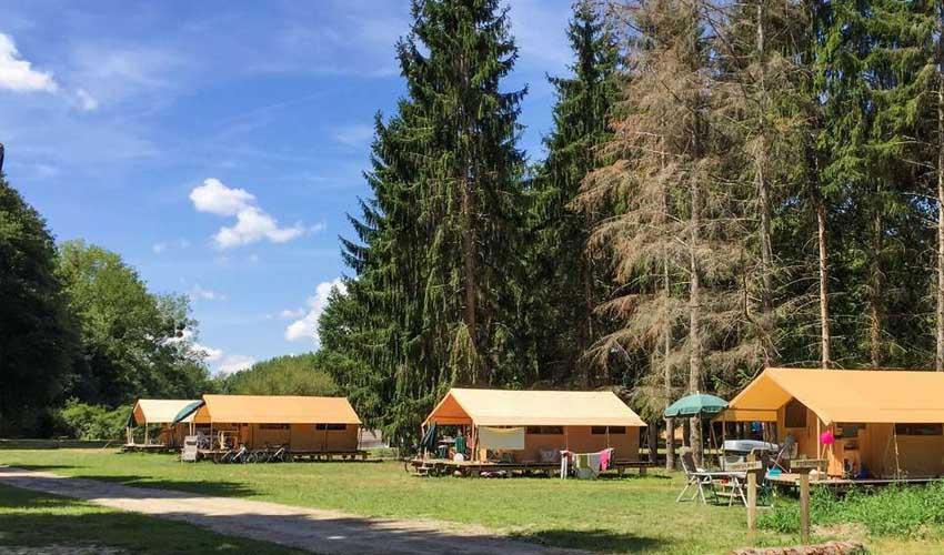 huttopia vacances campagne et terroir camping les chateaux emplacements et locations tentes nature