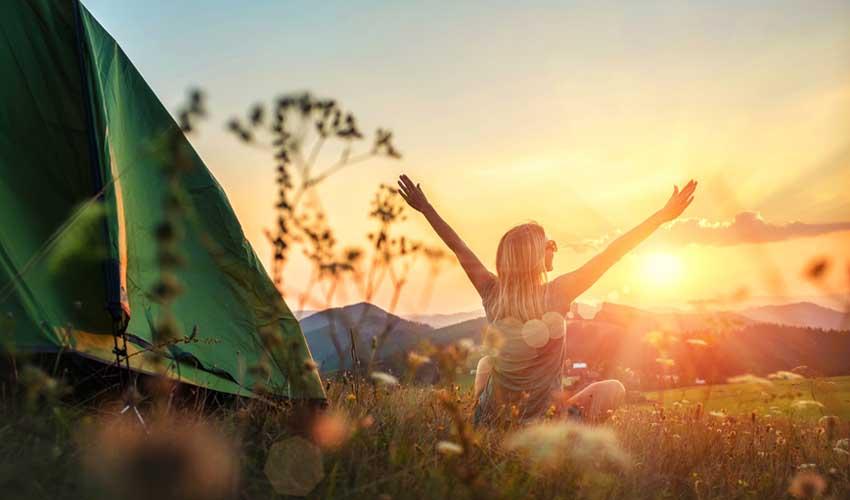 huttopia vacances campagne et terroir campings en pleine nature panorama soleil