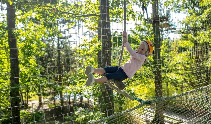 vacances nature center parcs activites enfants accrobranche plein air