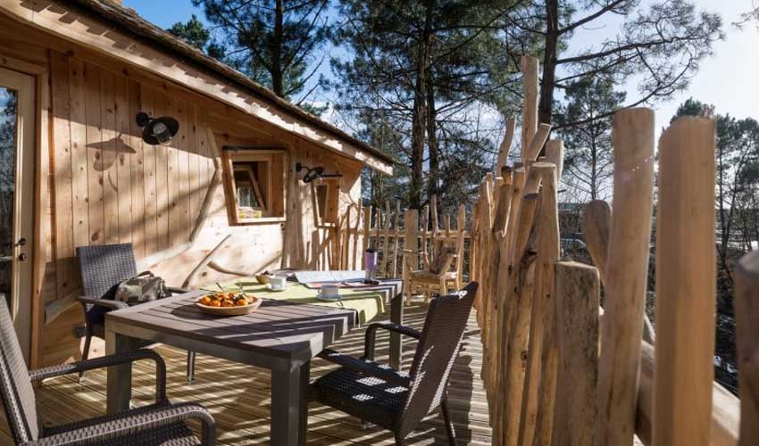 vacnces nature center parcs maison dans les arbres terrasse foret