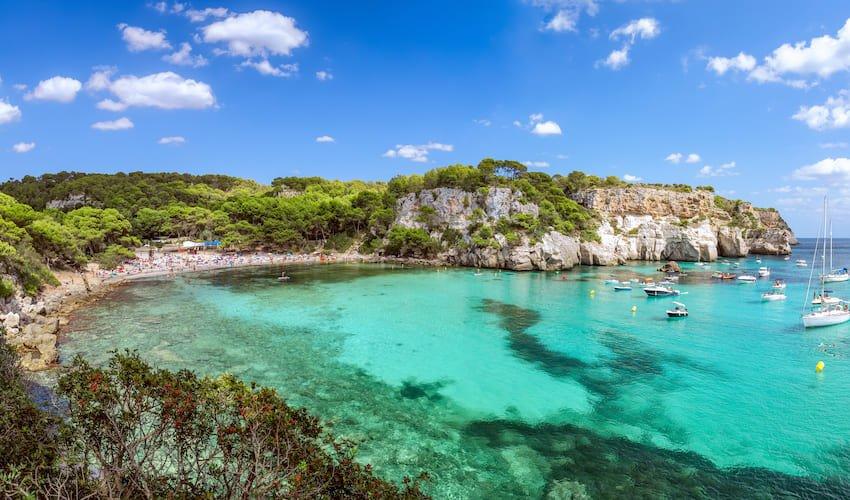 Cala Macarella sur l'île de Minorque, les îles Baléares, Espagne