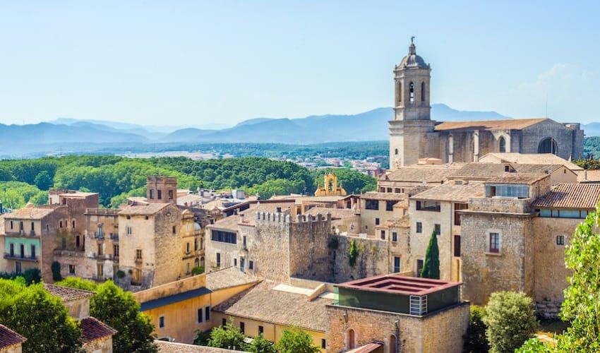 Gérone, la cité médiévale de la Costa Brava.