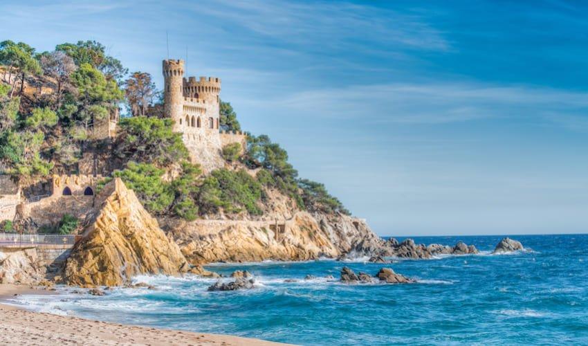 Château de Lloret del Mar, un excursion incontournable lors de vacances en club sur la Costa Brava.