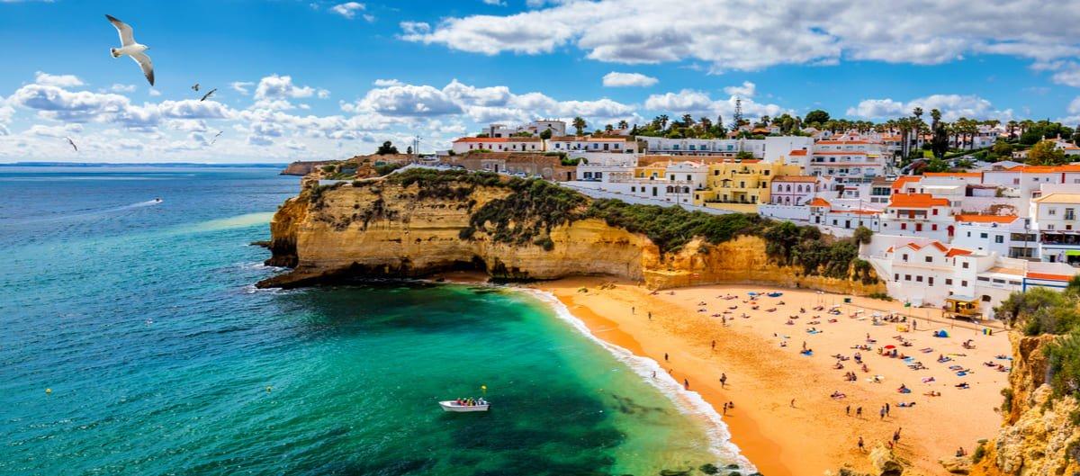Magnifique plage en Algarve, la région phare pour un séjour en club vacances au Portugal