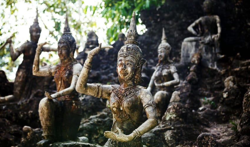Le Secret Buddha Garden, Na Mueang