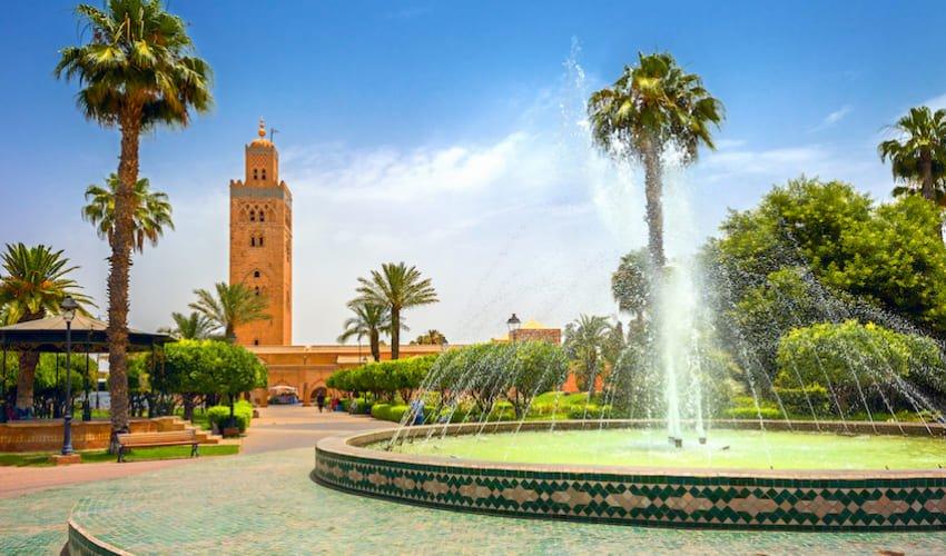 Fontaine des jardins entourant la mosquée de la Koutoubia à Marrakech.