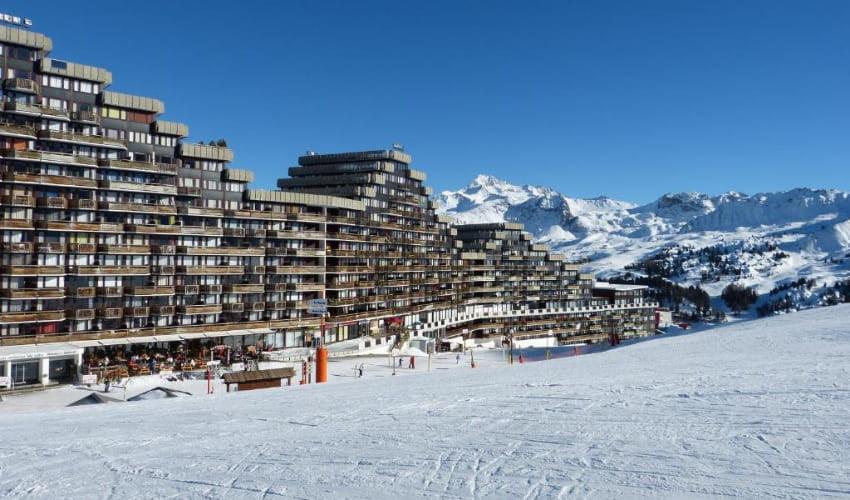 Vue extérieure de la Skissim Select Aime 2000 à La Plagne.